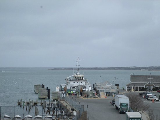 Whaling Museum: View from the roof toward the wharf.