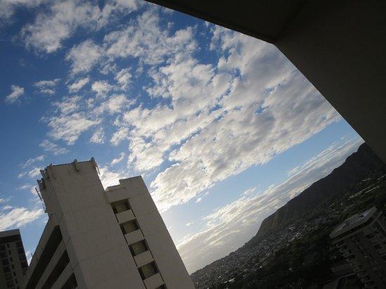 Hyatt Place Waikiki Beach : view from my room