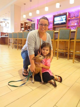 Hyatt Place Waikiki Beach: cutie! TUTU girl with her mom & dog ;)   we miss you sooo much!