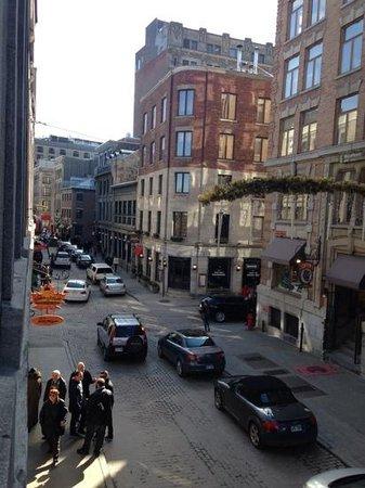 Auberge du Vieux-Port: Vue charmante de la fenêtre de la 207