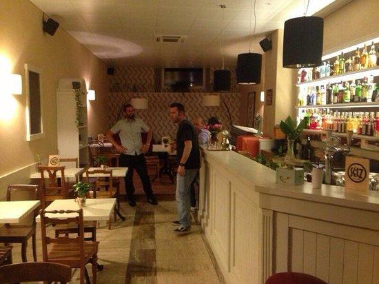 Selz Bar & Cafe: Interno