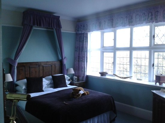 The Dales Country House Hotel: the bed