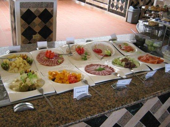 Sandals Grande Antigua Resort & Spa: Breakfast