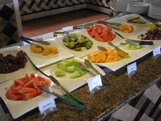 Sandals Grande Antigua Resort & Spa: Breakfast Fruit