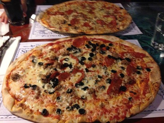 the standard pizza size picture of sebastian pub ferrara tripadvisor. Black Bedroom Furniture Sets. Home Design Ideas