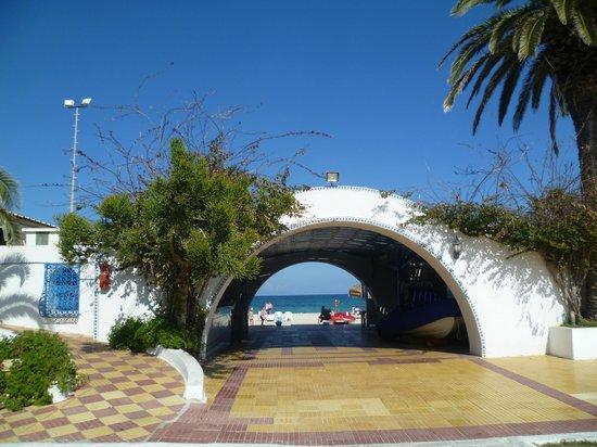 El Mouradi Club Kantaoui : Vialetto che porta dal Villaggio al mare