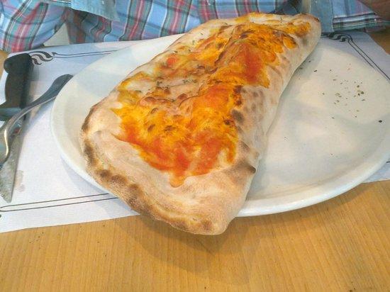 Il Pizzaiolo: Calzone