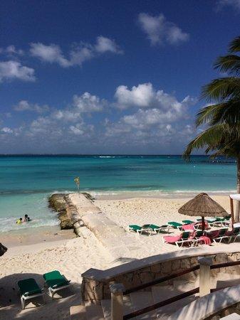 Grand Fiesta Americana Coral Beach Cancun: View from the beach
