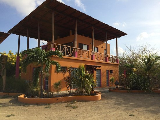 Buena Onda Beach Resort: worth it!