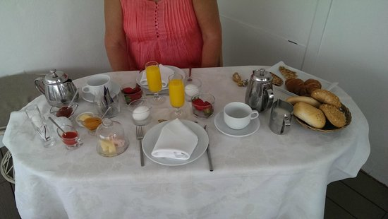 Hotel Amadeus: Breakfast for two