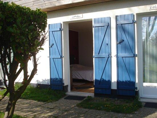 Hotel Des Argousiers : L'entrée de la chambre