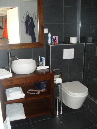 Hotel Des Argousiers : La salle de bains