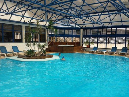 Pestana Cascais: piscina climatizada