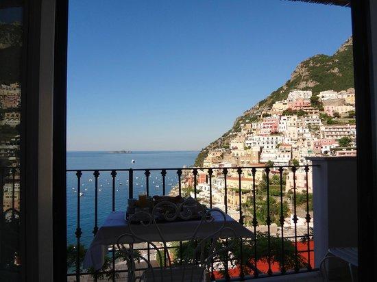 Villa Rosa : Breakfast at the balcony