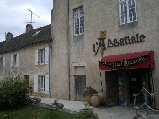 Restaurant Auberge de l'Abbatiale : La façade du restaurant