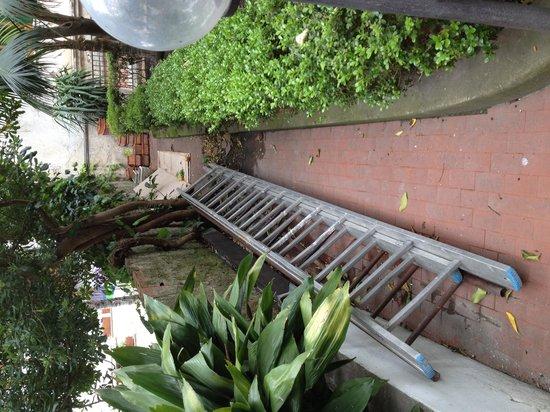 Hotel Amalfi: Jardin o trastero
