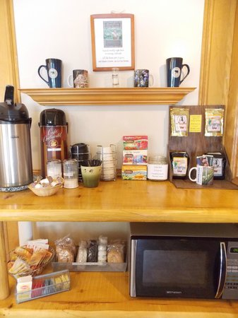 Ouray Riverside Inn and Cabins: Coffee and Snacks