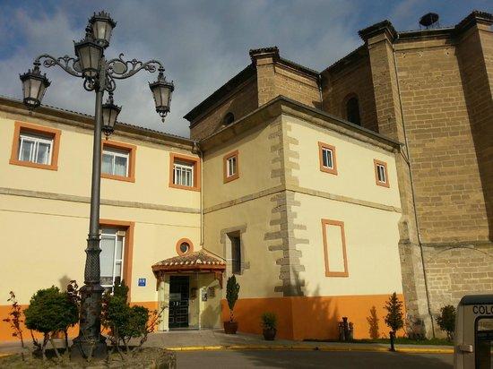 Hospederia El Convento: Fachada del hotel
