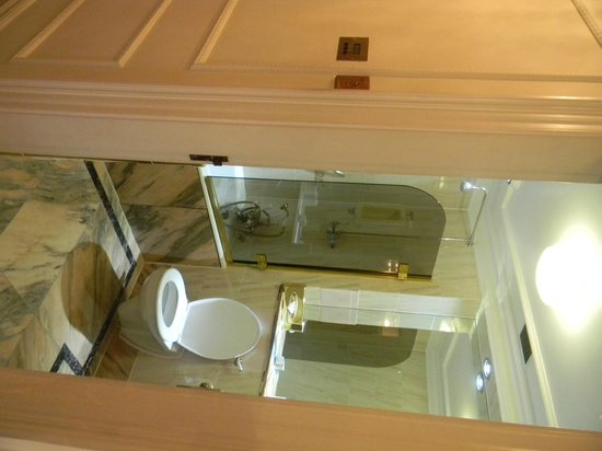 Thistle Hyde Park : bathroom