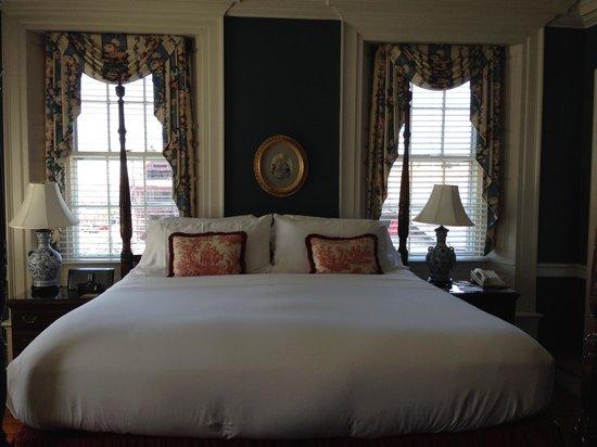 Francis Malbone House Inn: Harborside Room 2