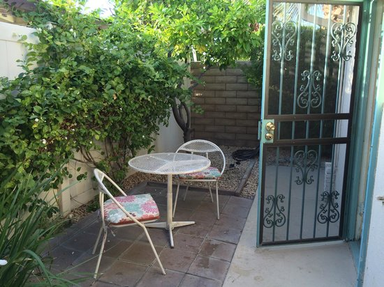 Little Paradise Hotel: Personal Patio