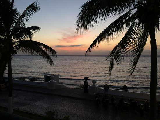 Guidos Boutique Hotel: Sunset