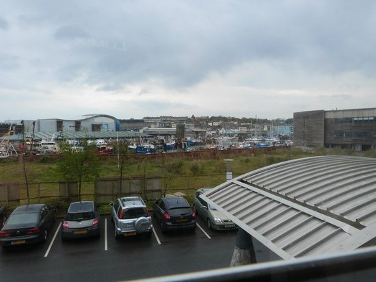 Premier Inn Plymouth City Centre (Sutton Harbour) Hotel: View from room 101 window - harbour is a way off....