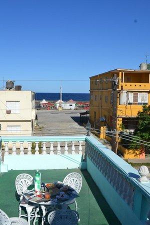 """Casa Particular """"La Casita"""" Pension: Balcony with sea view"""