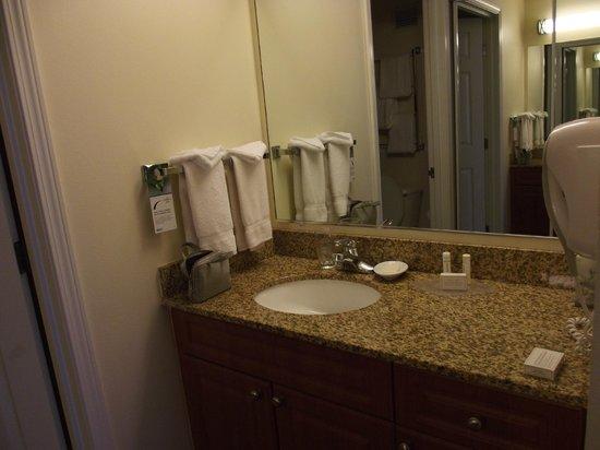 Residence Inn Portland Downtown/Riverplace : sink