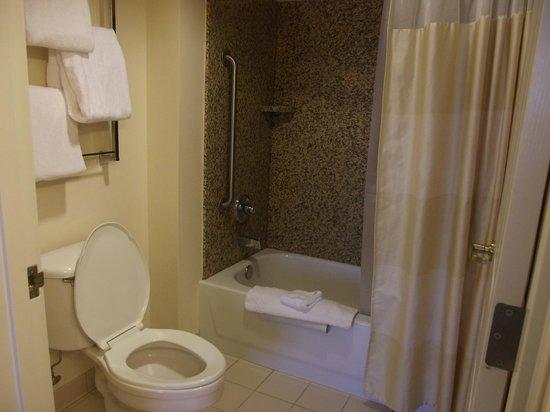 Residence Inn Portland Downtown/Riverplace: bathroom
