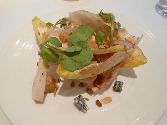 Wellington Court Restaurant + Catering : Endive salad with bleu cheese