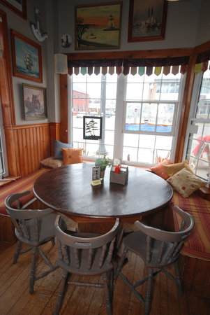 Duffy's Famous Fish & Chips : Have a seat!