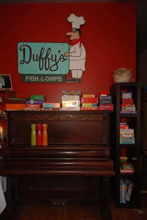 Duffy's Famous Fish & Chips : Lots of old school games to choose from.