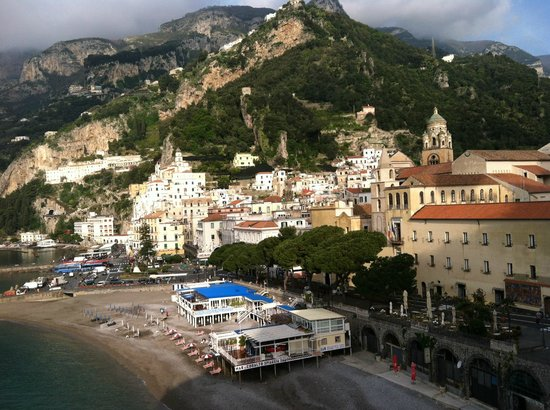 Hotel Marina Riviera: View of Amalfi from hotle