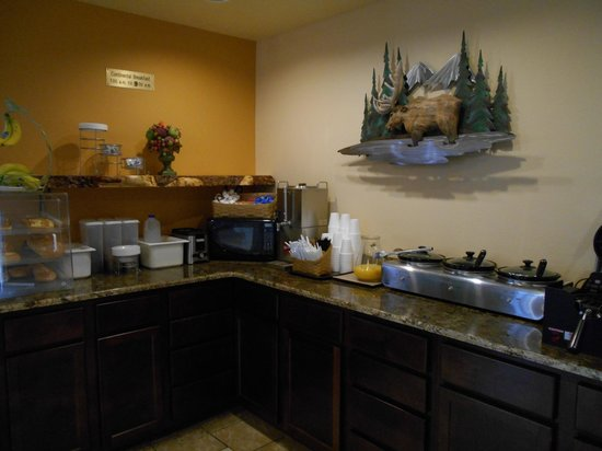The Alpine Inn: Breakfast