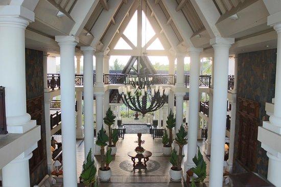 The Residence Mauritius: ENTRADA AL HOTEL