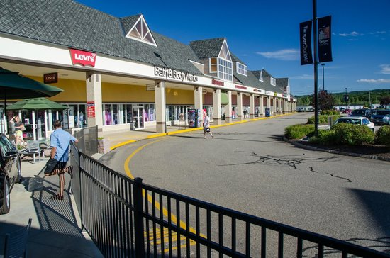 Tanger Outlets Tilton is located in Tilton, New Hampshire and offers 53 stores - Scroll down for Tanger Outlets Tilton outlet shopping information: store list, locations, outlet mall hours, contact and address.2/5(4).