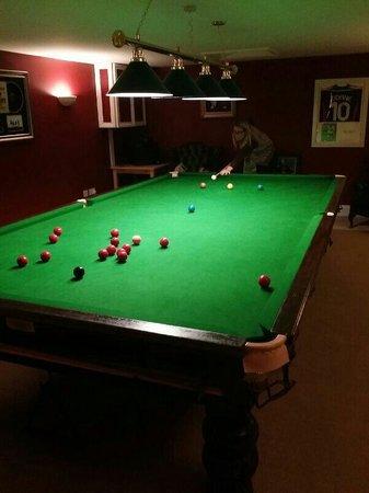 Deighton Lodge: Pool room.