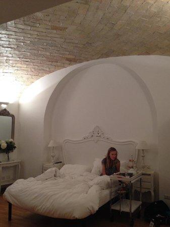 La Finestra sul Colosseo B&B : Breakfast in bed