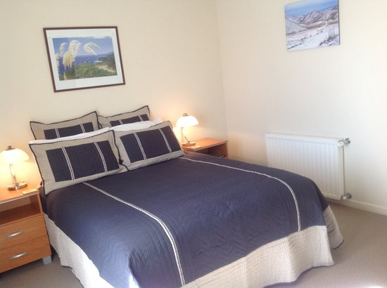 Websters on Wanaka Lodge: Haast bedroom