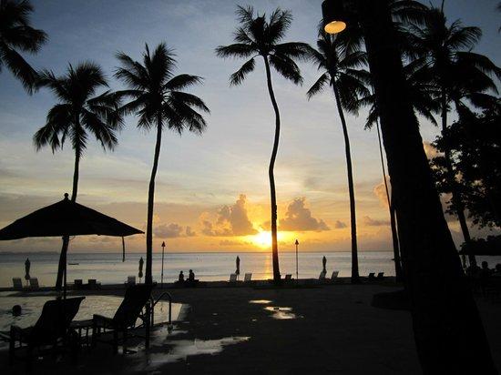 Solnedgången var enastående vid Palau Pacific Resort.
