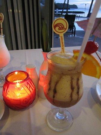 Palau Pacific Resort: Tog en drink före middagen.