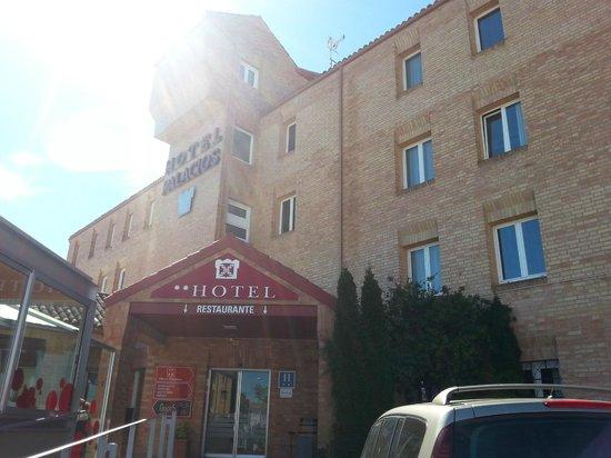 Hotel Palacios : fachada del hotel