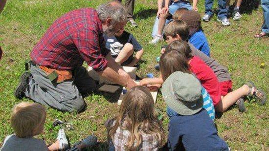 Robert W. Monk Public Gardens: Making bird houses!