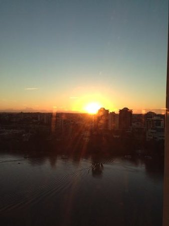Stamford Plaza Brisbane: sunrise on Easter Saturday