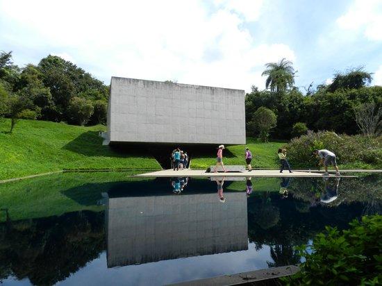 Inhotim : Galeria Adriana Vareijão