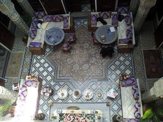 Riad Rcif : Vista del patio desde el piso superior