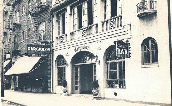 Photo of Italian Restaurant Gargiulo's Restaurant at 2911 W 15th St, Brooklyn, NY 11224, United States
