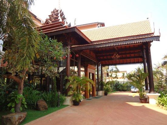 Saem Siemreap Hotel: Entry portico