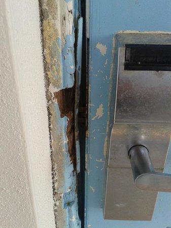 Days Inn Ormond Beach Mainsail Oceanfront: Rm 101 lockset